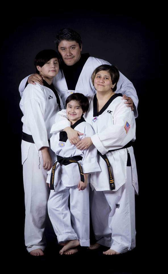 twin tigers taekwondo family